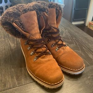 Like new Sam Edelman fur boots